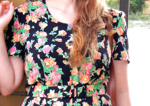 sukienka z guzikami
