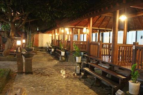 Buka Puasa di Rumah Makan Zam-Zam, Jombang