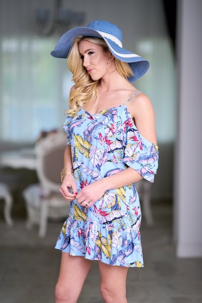 https://symonekelly.ca/collections/dresses-shirts/products/misty-floral-dress?variant=8726679158901