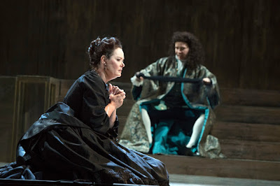 English Touring Opera - Handel: Giulio Cesare - Catherine Carby, Benjamin Williamson (Photo Richard Hubert Smith)