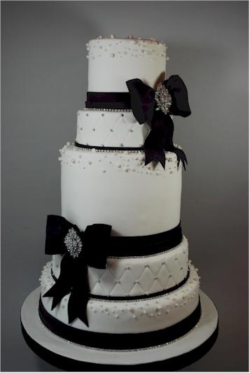 cup a dee cakes blog rhinestone bling wedding cake. Black Bedroom Furniture Sets. Home Design Ideas