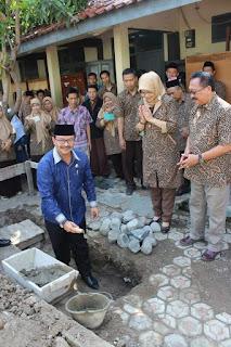 Peletakan Batu Pertama Pembangunan Masjid Al Ajfar MAN 3 Majalengka
