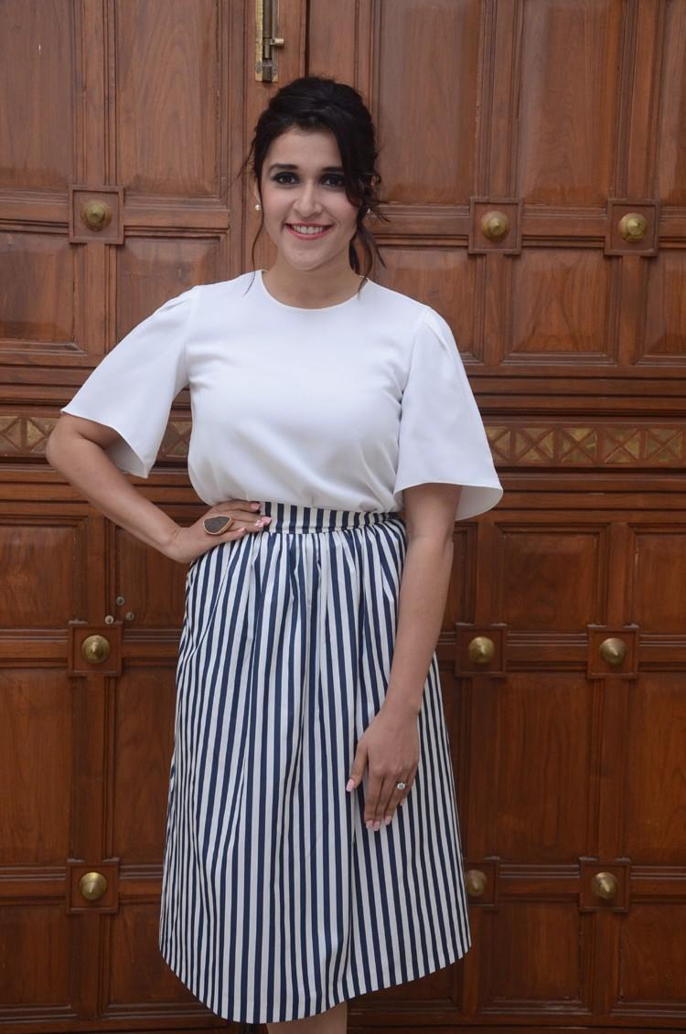 Mannara Chopra at Thikka audio launch-HQ-Photo-18