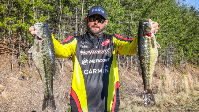 Ibassin 2018 flw tour lake lanier day 1 bradley hallman for Lake lanier fishing spots