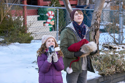 The Christmas Chronicles 2018 movie still Darby Camp Judah Lewis