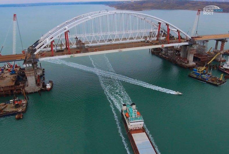 Крымский мост скоро уплывет - ученый
