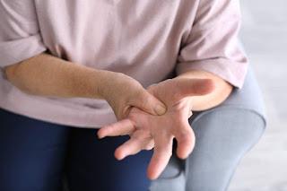 distinguish-joint-pain-and-bone-pain