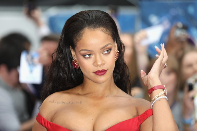 Rihanna Red Lipstick MP3, Video & Lyrics