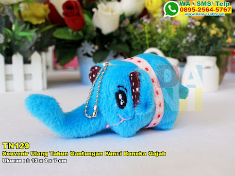 Souvenir Ulang Tahun Gantungan Kunci Boneka Gajah