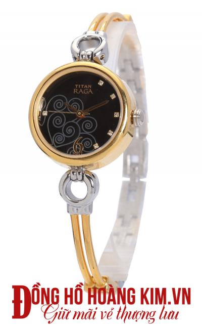 mua đồng hồ titan nữ