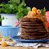Panquecas de Chocolate com Molho de Framboesa Dourada