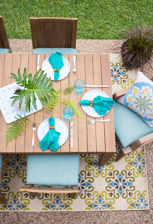 7 easy outdoor patio decorating ideas design improvised for Outdoor summer decorating ideas