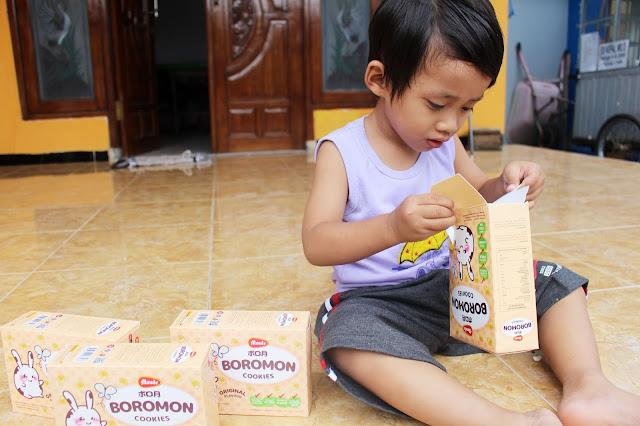 reaksi-anak-makan-boromon-monde-cookies-original-flavor-ingridients-lomba