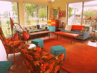 diseño sala naranja turquesa