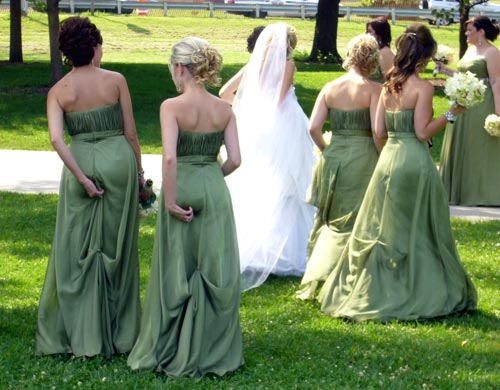 Wedding Women itching skin hips