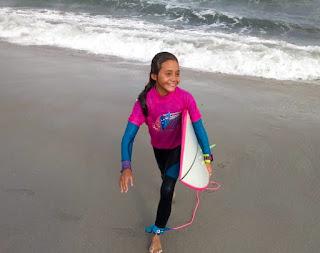 Atleta de Ilha Comprida é 3º melhor surfista feminina em sua categoria