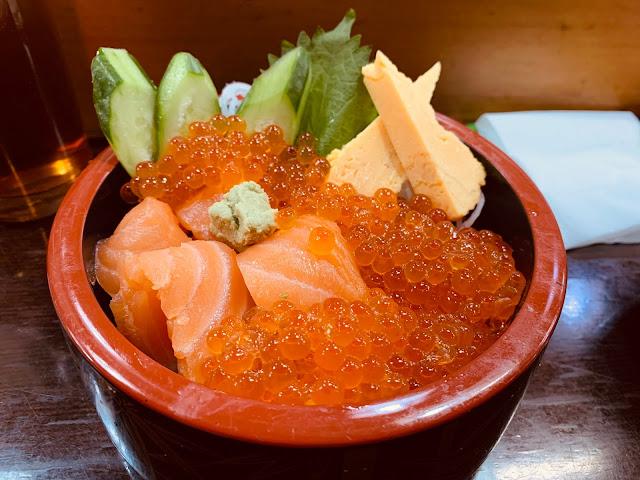 青森朝市壽司-鮭魚親子丼