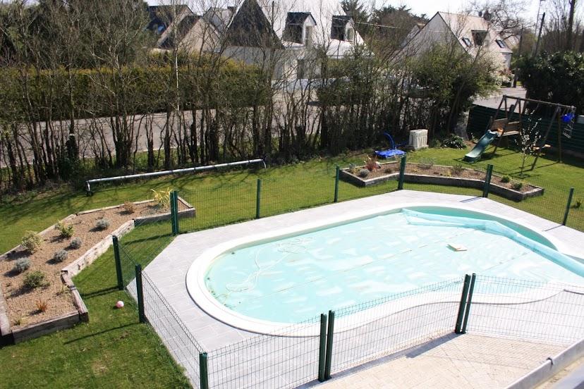 waterair madeleine 8 piscine et terrasse terminees. Black Bedroom Furniture Sets. Home Design Ideas