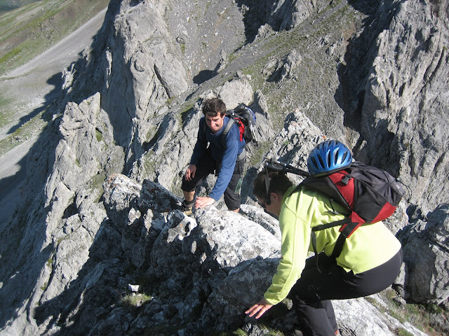 Rutas Montaña Asturias: Bajando la Puerta del Arco
