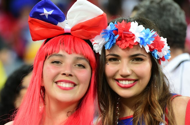 Sexy football supporter girls. Copa America Chile 2015. Beautiful latin fans, hot women. Pretty soccer amateur girls. Pics for Whatsapp.