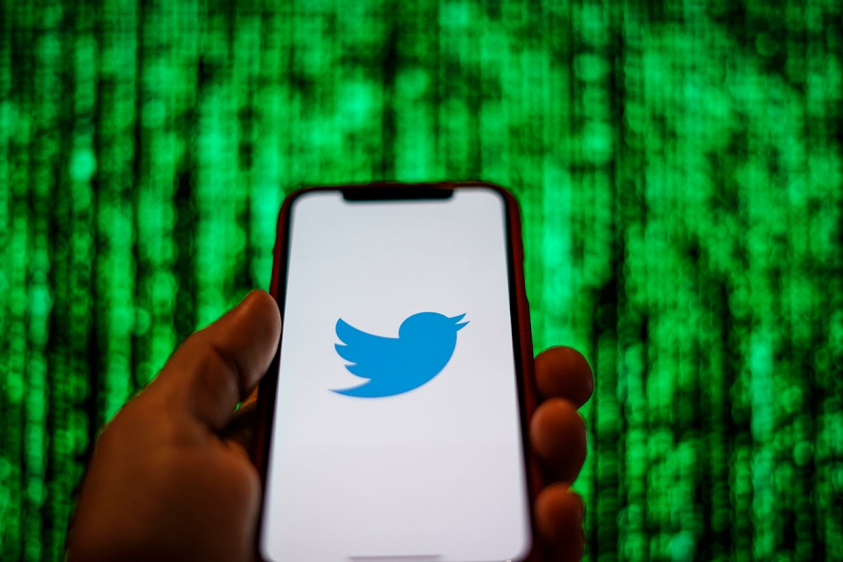 Twitter URLs Can Be Manipulated to Spread Fake News and Scams