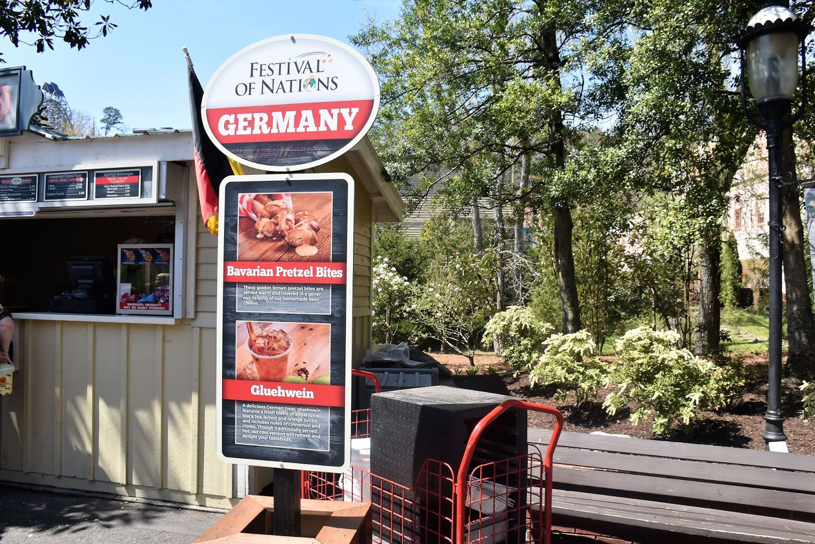 Dollywood's Festival of Nations Germany