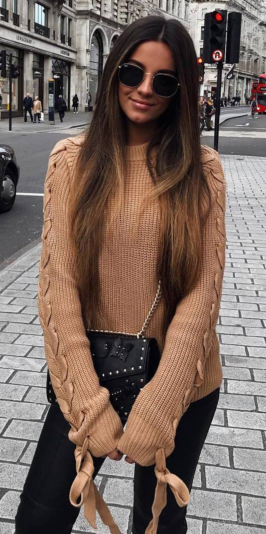 cozy outfit / knit sweater + bag + black skinnies