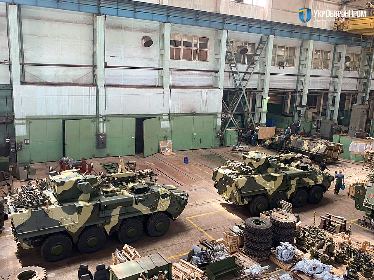 Ще чотири БТР-4 передано ЗСУ за контрактом 2016 року