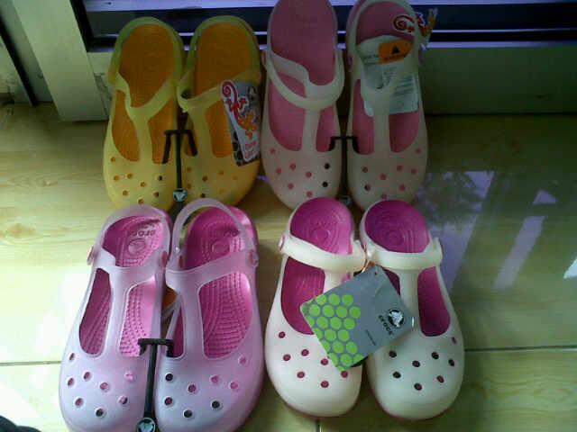 Aneka Sepatu Crocs Dan Sandal Crocs Sepatu Crocs Malindi