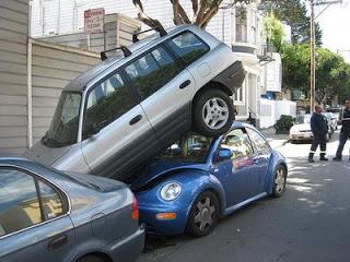 Carro fazendo baliza
