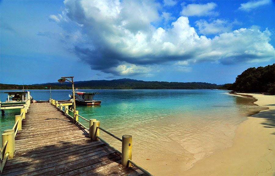 Pulau Handeuleum, salah satu wisata yang disukai di Ujung Kulon