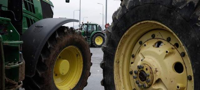 Έκλεισαν τα Τέμπη οι αγρότες - Καλούν σε πανελλαδική συνάντηση μπλόκων την Τρίτη