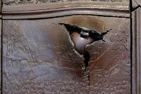 boulets de canon incruster dans le métal