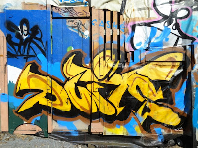 graffiti du Heavy Weights crew