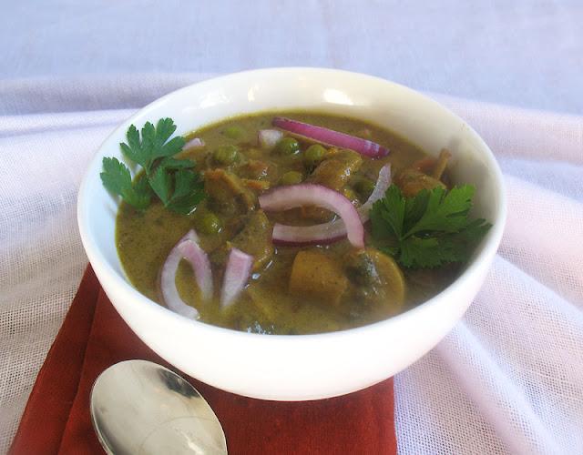 Mushroom Green Pea Curry