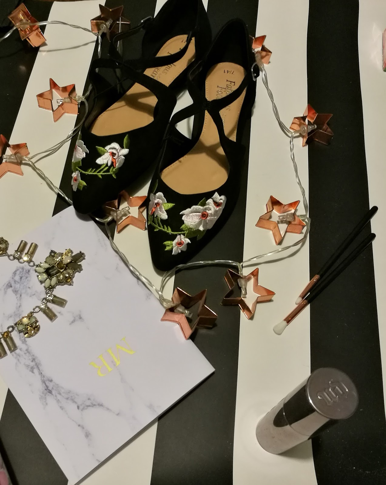 Embroidered George Flat Shoes