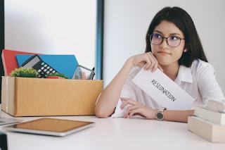 Alasan Wanita Memilih Berhenti Bekerja Setelah Menikah