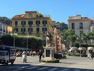 CRIME NOVEL SET IN SORRENTO