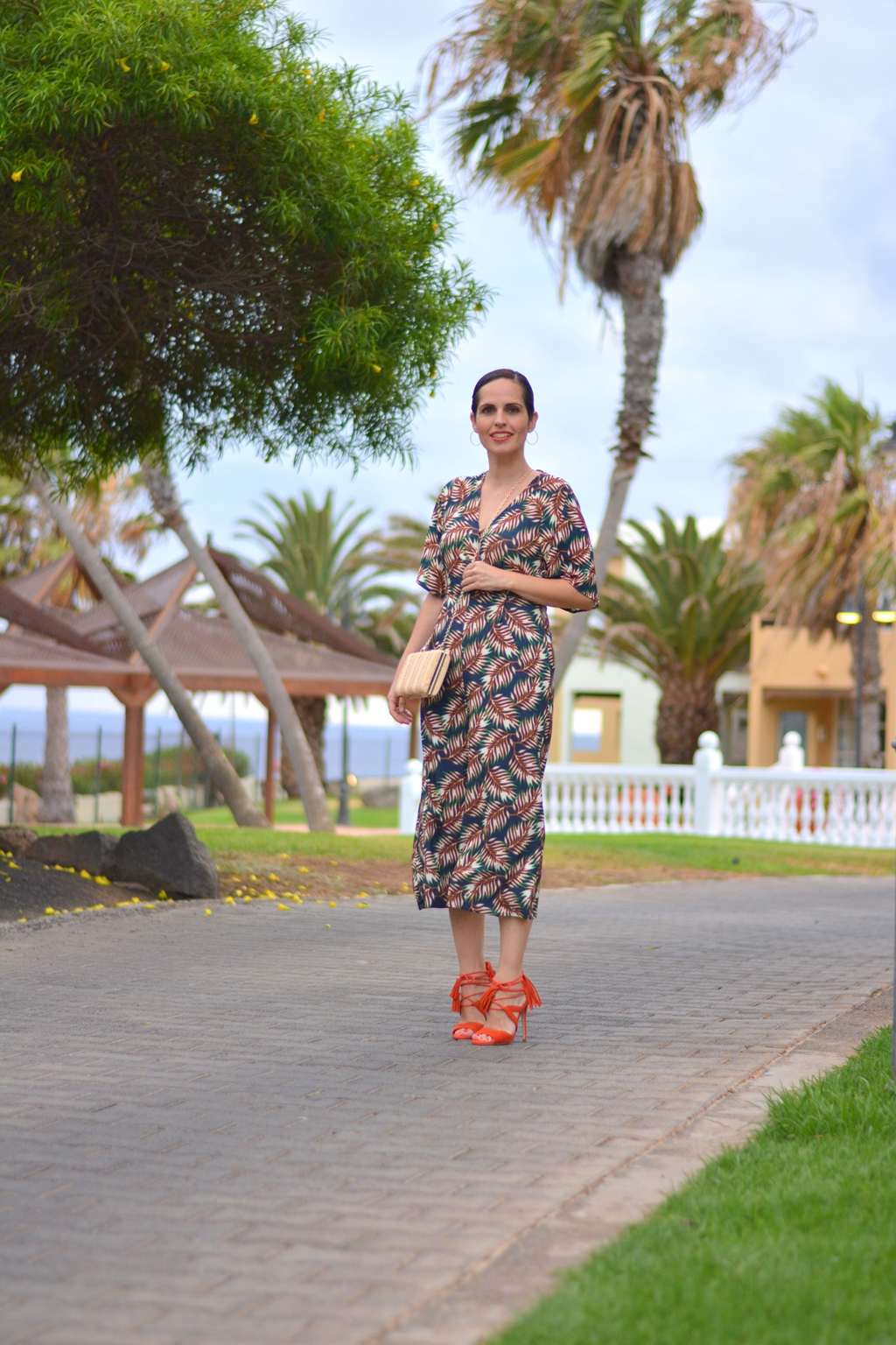 sfera-summer-jumpsuit-outfit-street-style