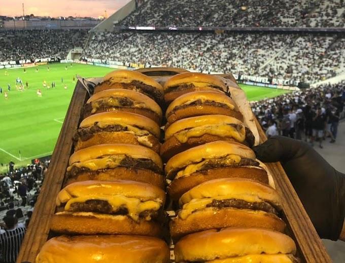 Corinthians doa pizzas e hambúrgueres para jogadores do Lara