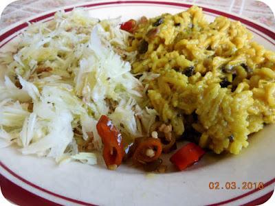 orez cu ciuperci si cu salata de varza