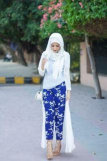 Model Baju Muslim Putih Cardigan