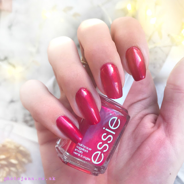 essie-winter-2017-ring-in-the-bling-review-swatch