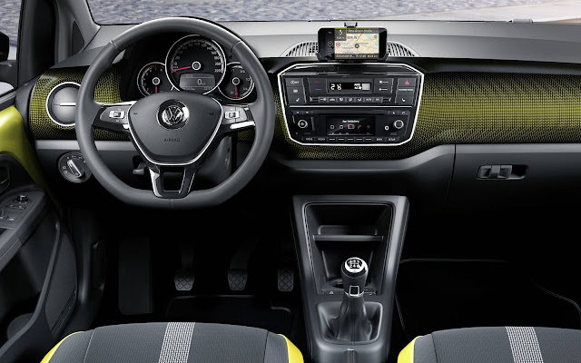 novo Volkswagen Up! 2017 - interior
