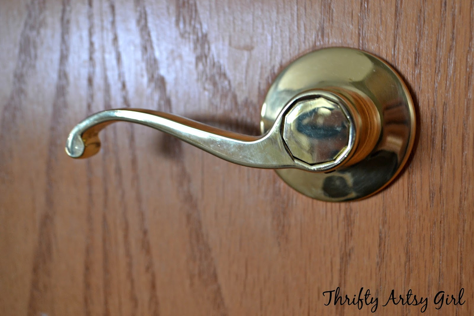 Thrifty Artsy Girl: DIY Spray Painted Doorknobs: From Cheap Brass to ...