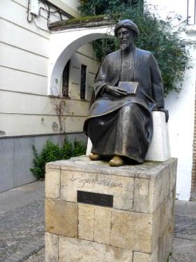 Estatua de Maimonides