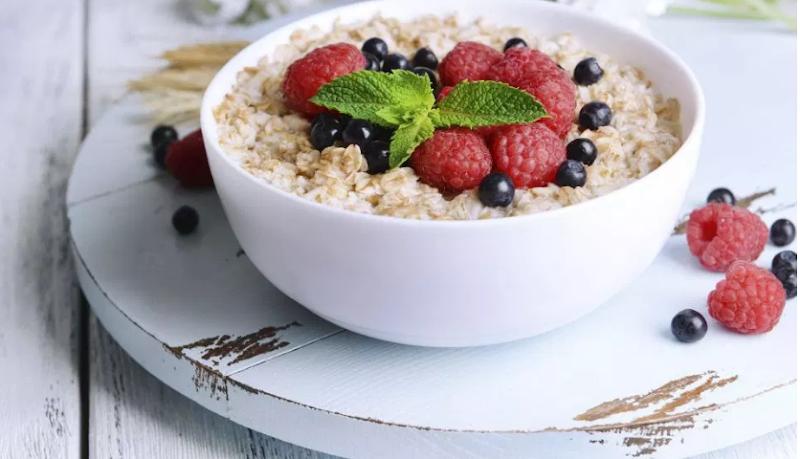 The oatmeal breakfast; is oatmeal healthy or not?