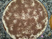 Cubriendo con chocolate rallado