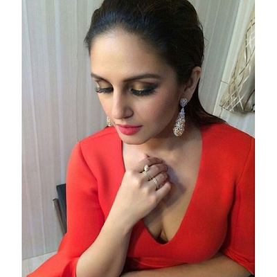 Huma Qureshi Hot Pictures