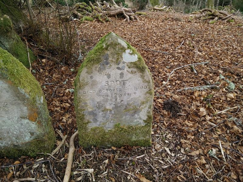 Animal gravestone